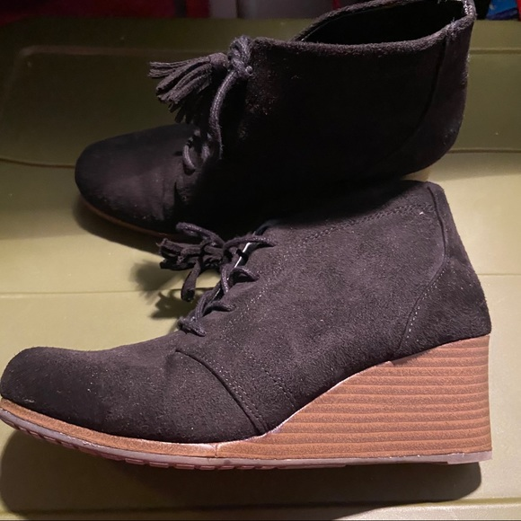 Dr.Scholl's wedge booties